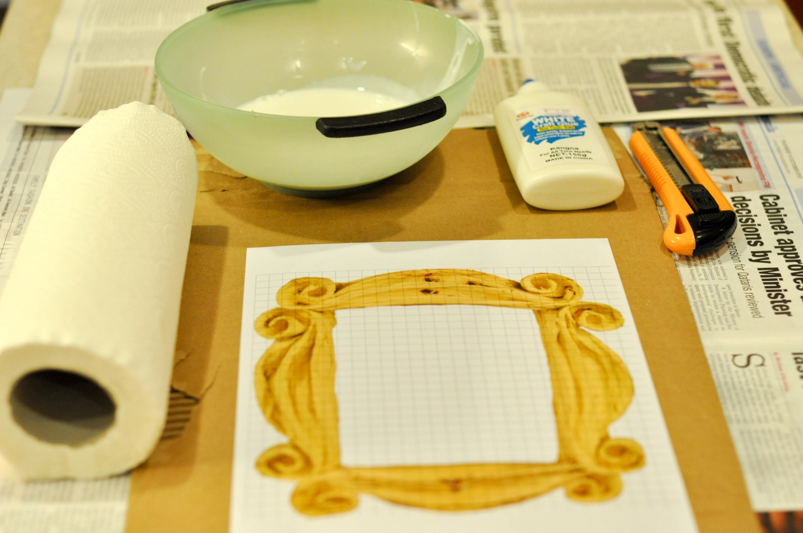 DIY Project: Monica\'s Peep Hole Frame – DIARY OF A PMP MOM