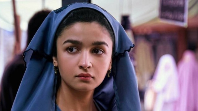 1526280026_alia-bhatts-raazi-dominating-box-office